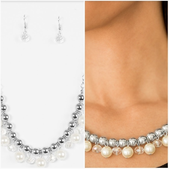 POWER TRIP WHITE NECKLACE/EARRING SET